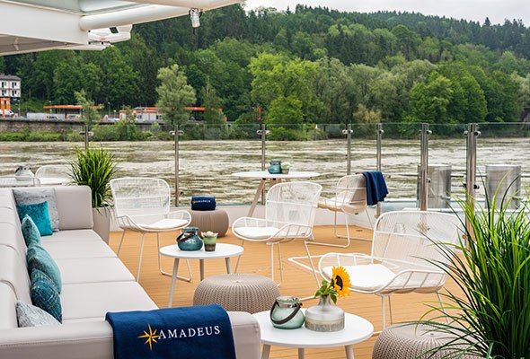 29_River_Terrace_AMADEUS_Star.jpg
